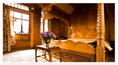 Houseboat in Srinagar, Srinagar Luxury Houseboat, Kashmir Luxury Houseboat, Kashmir Houseboat Tours